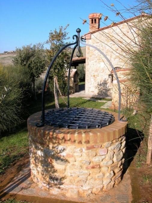 Pozzo con terminale a forma di giglio forgiato tn di for Arredo giardino ferro battuto